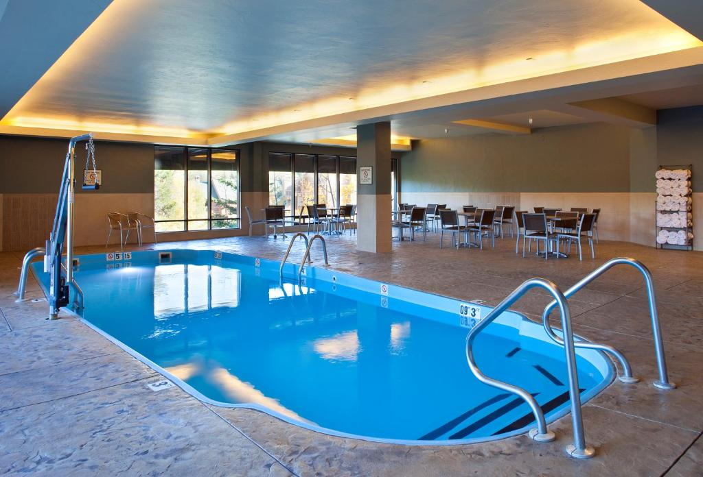 best hotels in Breckenridge doubletree pool