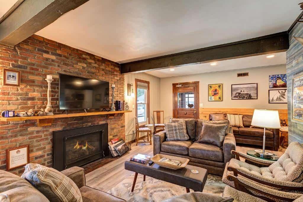 best hotels in Breckenridge fireside inn living room