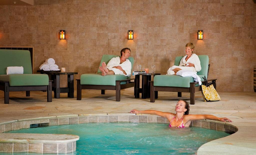 best hotels in Breckenridge one ski hill spa