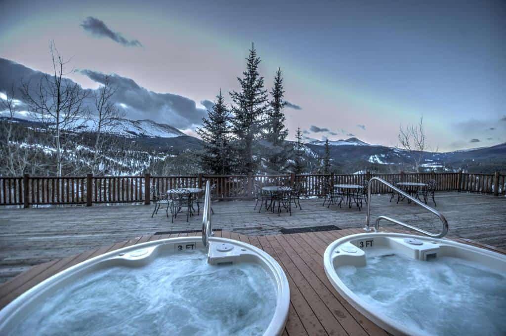 best hotels in Breckenridge the lodge hot tub