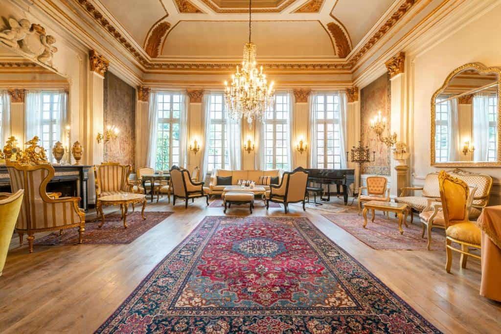 best hotels in Bruges Boutiquehotel die swaene lobby
