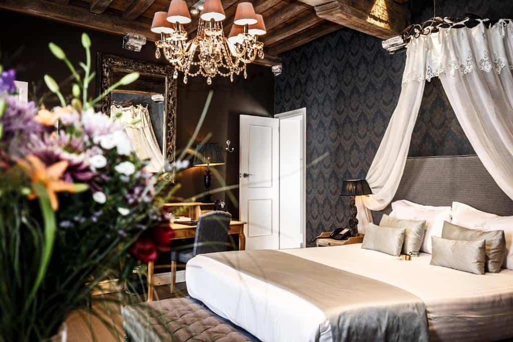best hotels in Bruges Hotel De Castillion
