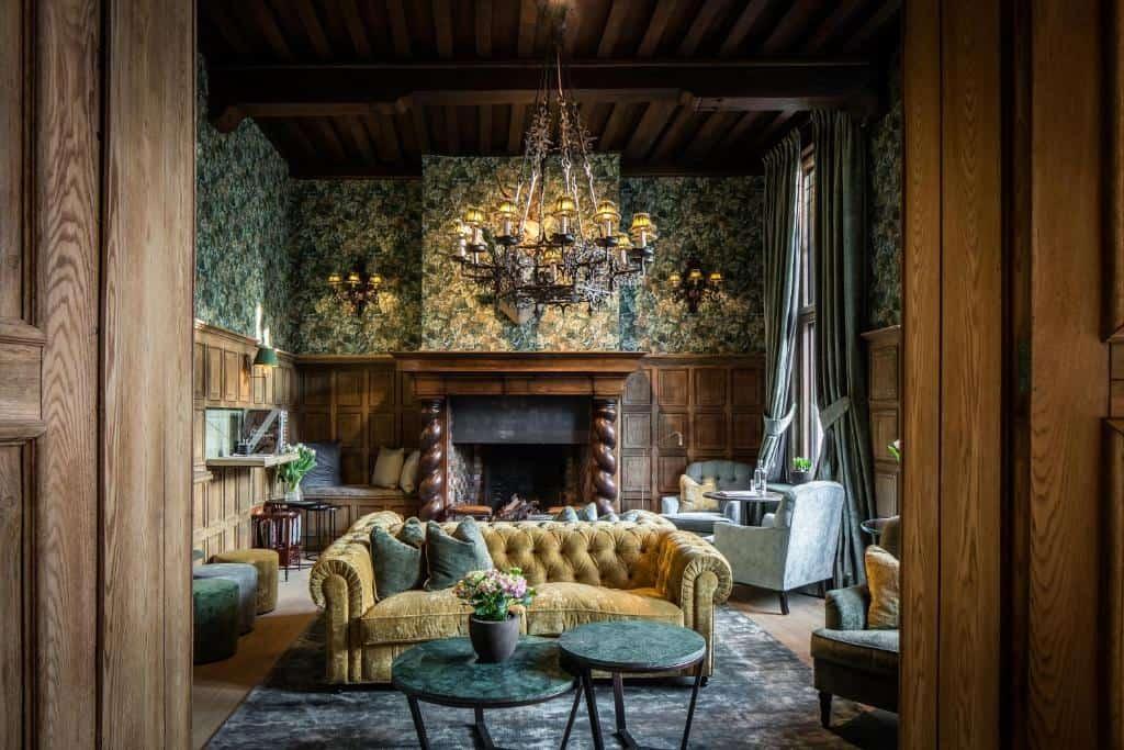 best hotels in Bruges Hotel De Orangerie lobby
