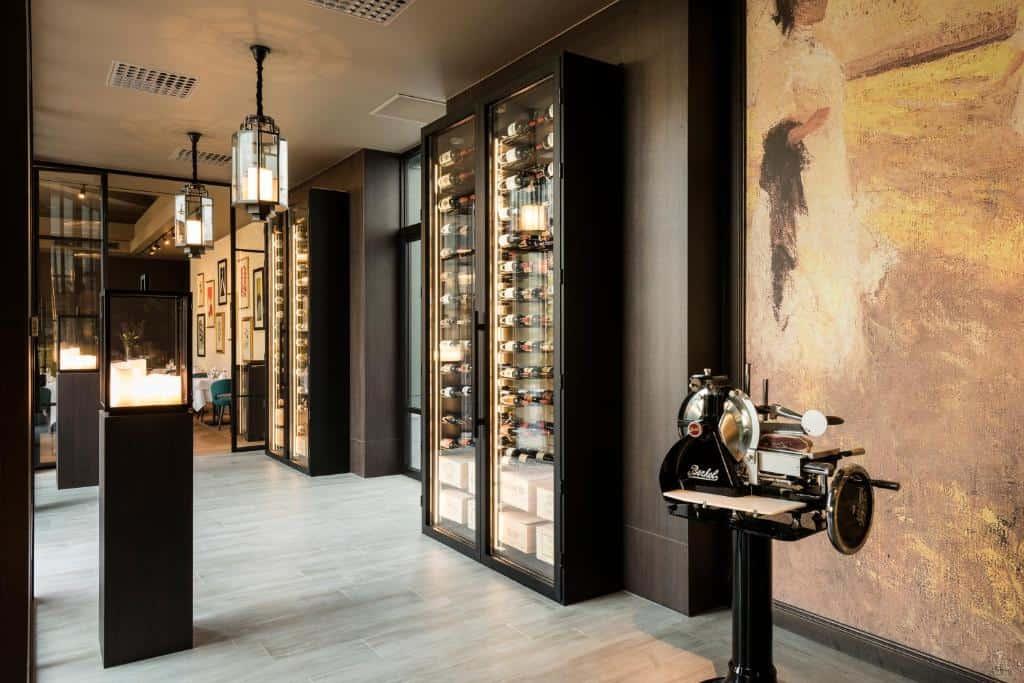 best hotels in Bruges Hotel Dukes' Palace Brugge wine