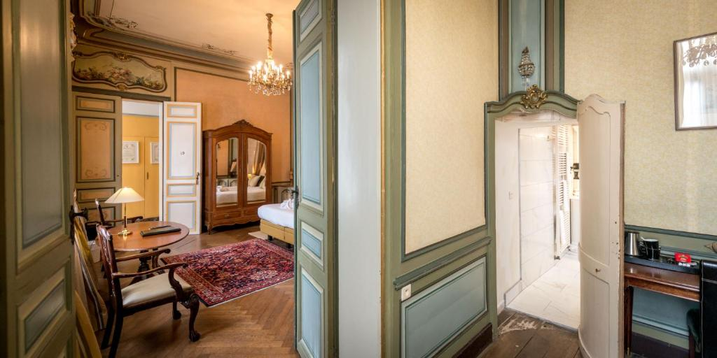 best hotels in Bruges Jan Brito detail