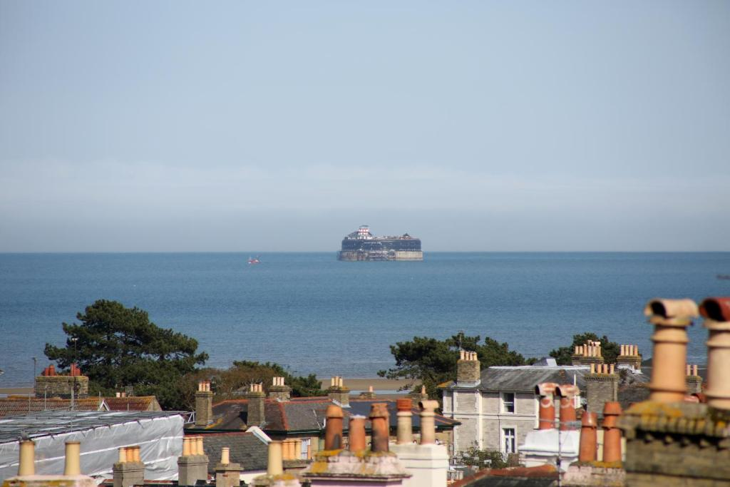best hotels in Ryde Dorset House view