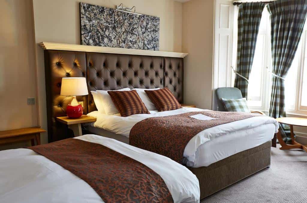 best hotels in Ryde castle room