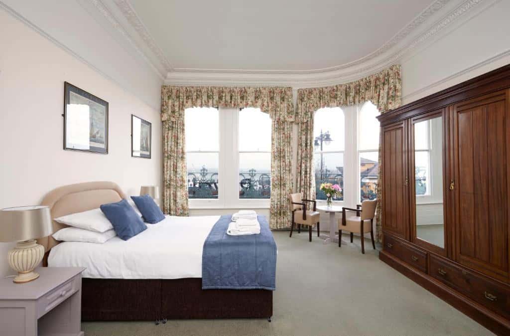 best hotels in Ryde royal esplanade room