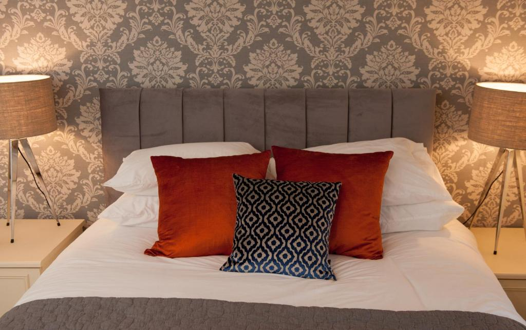 best hotels in honiton kings arm bed