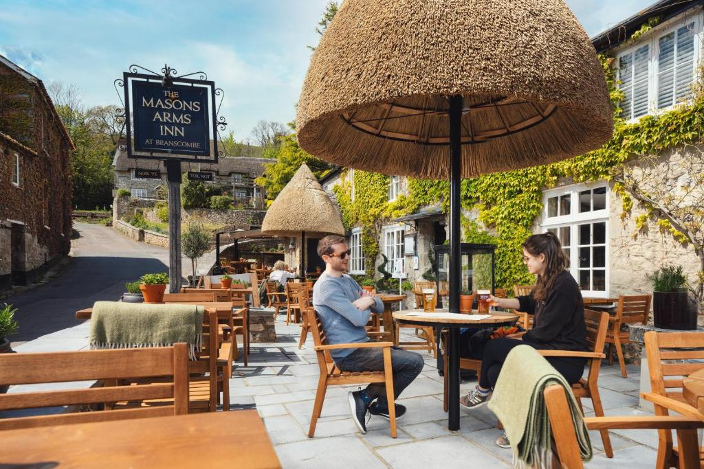 best hotels in honiton masons arms outside