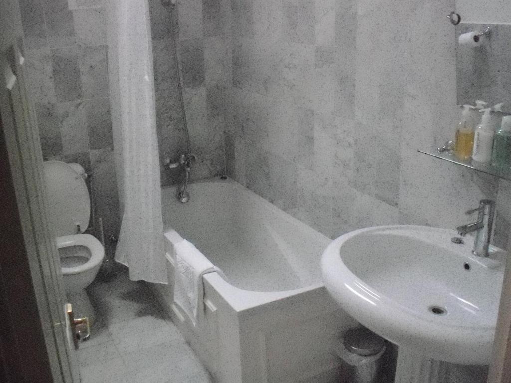 best hotels in honiton woodlands bathrooom