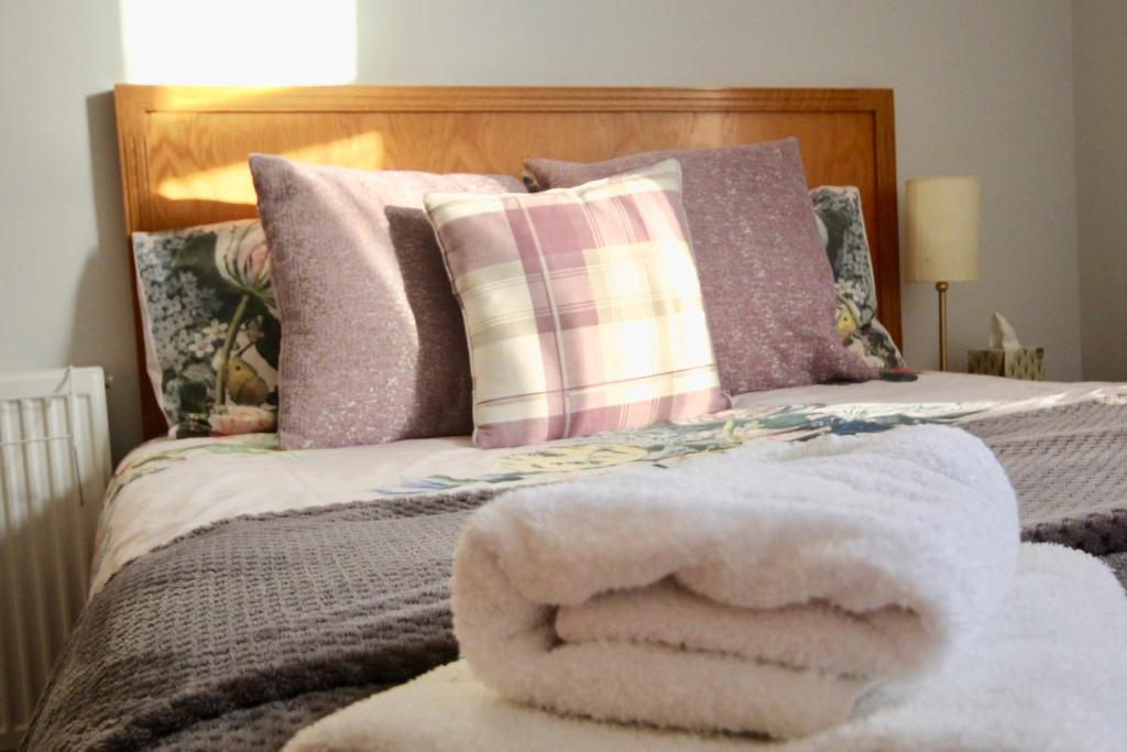 best portsmouth airbnb purple cloud cottage bed