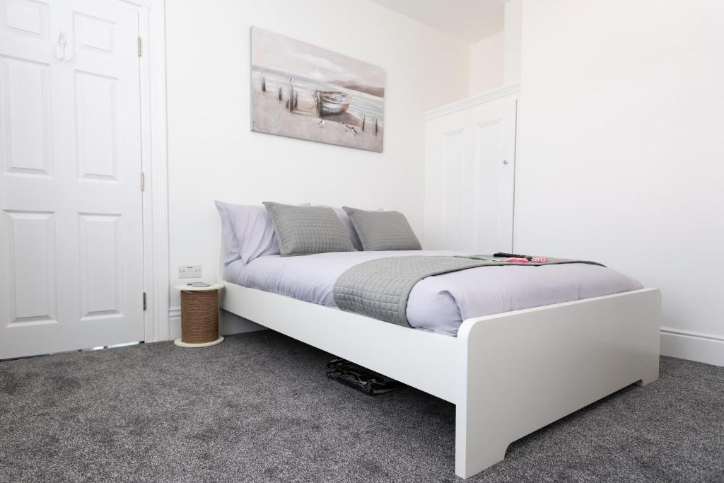 best portsmouth airbnb southsea studios bed