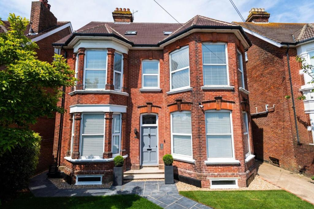 best portsmouth airbnb southsea studios