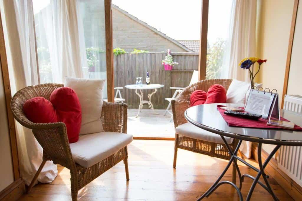 Best hotels Bridport heatherbel cottages outsie