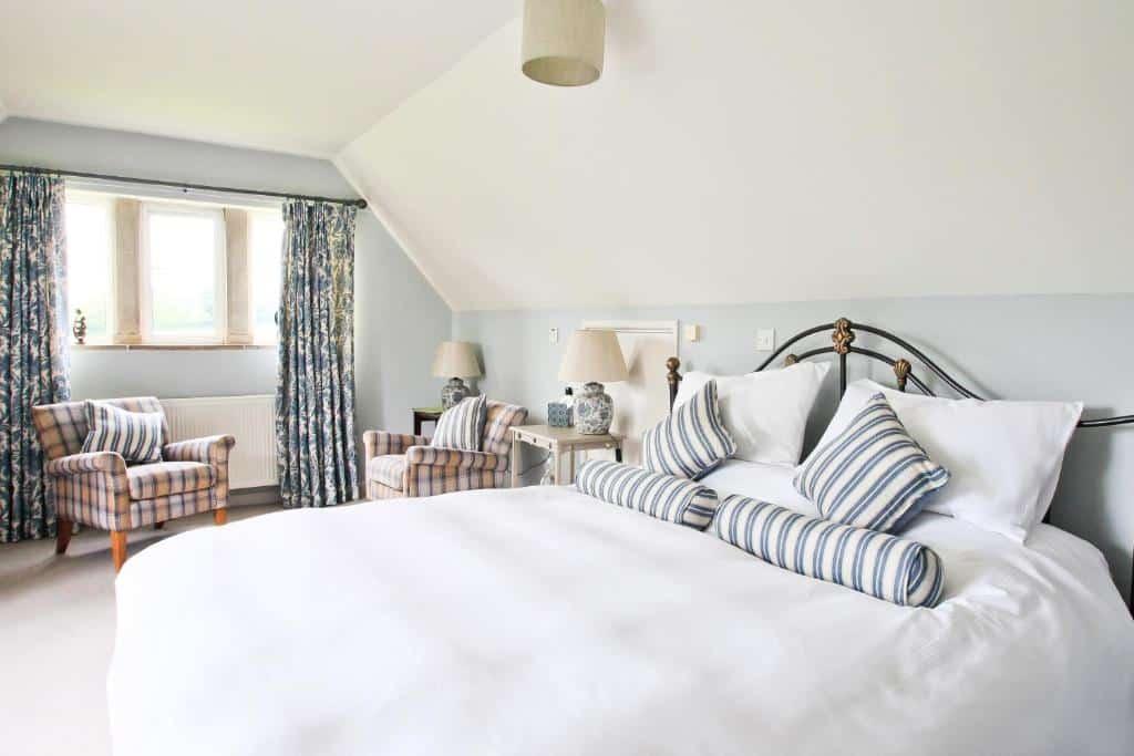 Best hotels Bridport oxbridge farms bed