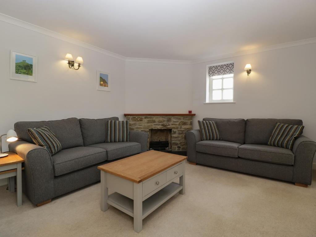 best bridport cottages fossil living room