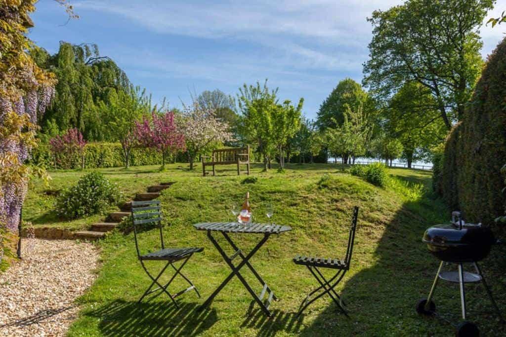 best bridport cottages gardeners cottage garden