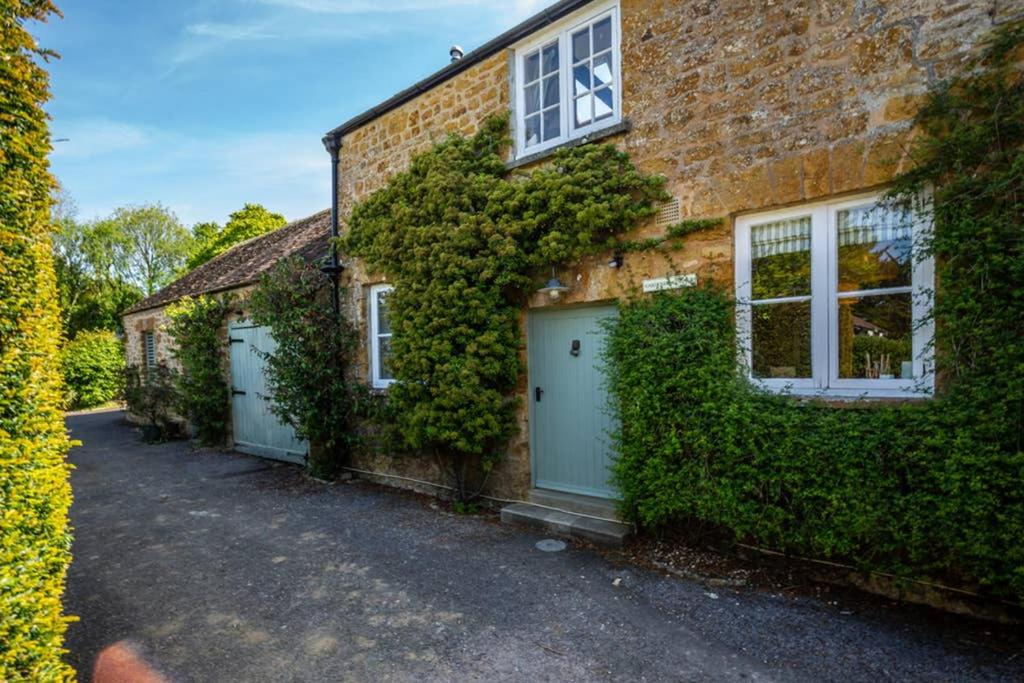 best bridport cottages gardeners cottage
