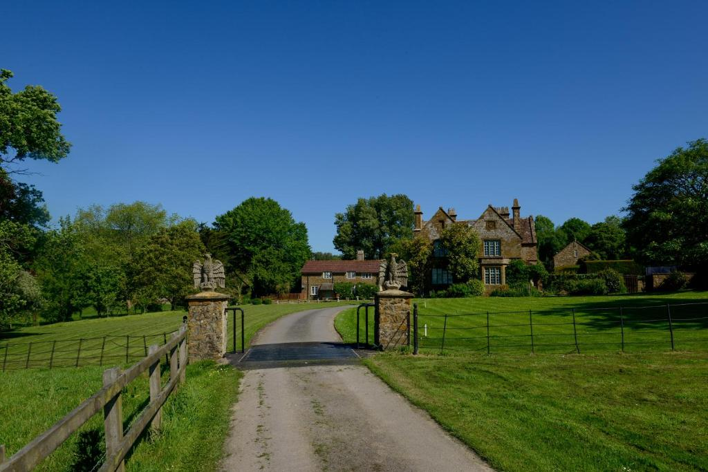 best bridport cottages laverstock