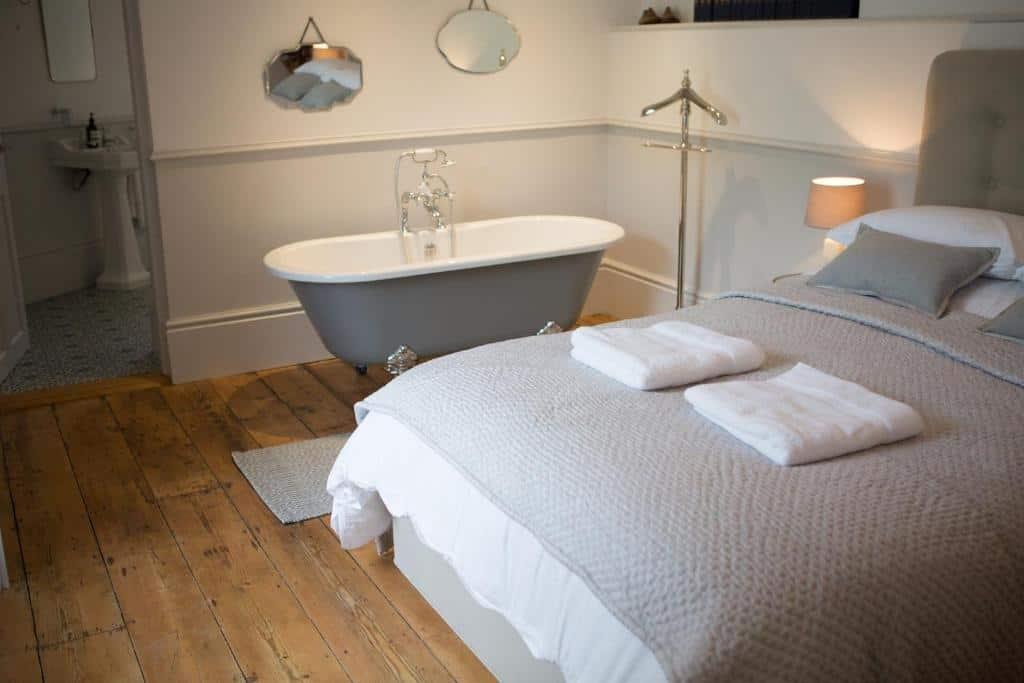 best bridport cottages little boutique club bath