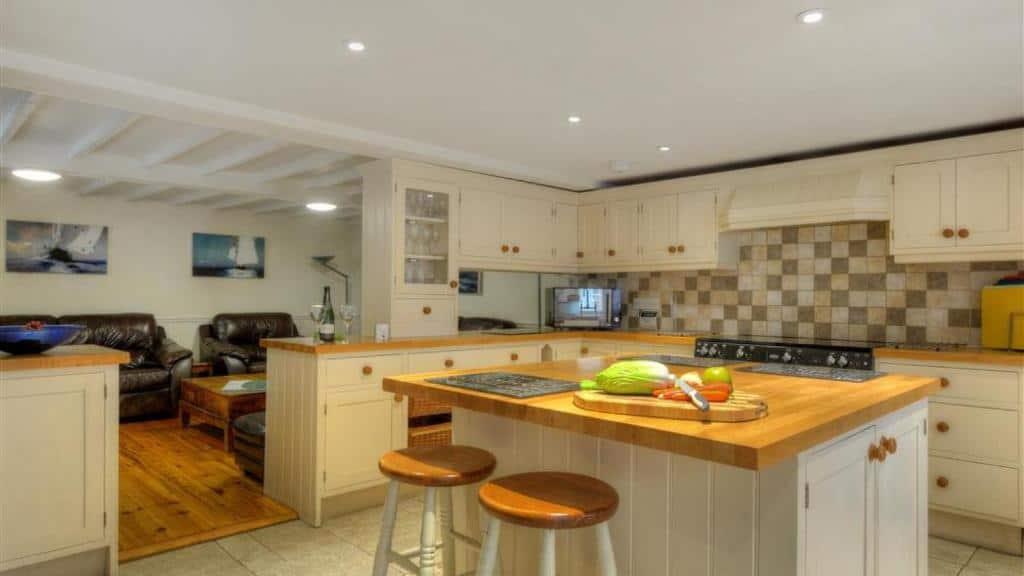 best bridport cottages white house kitchen