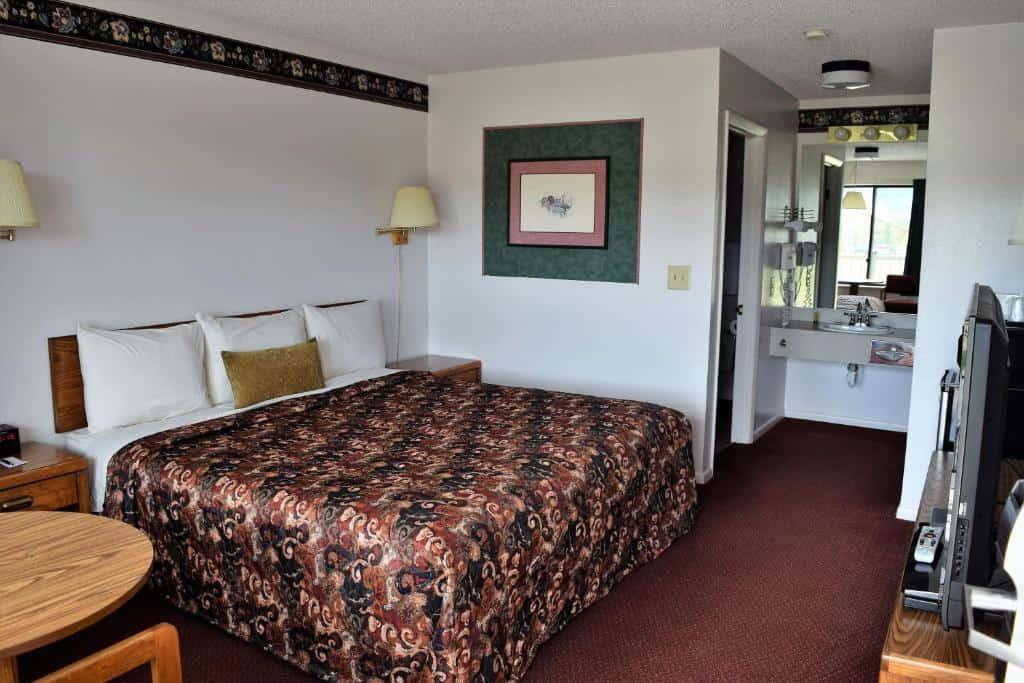 best Granby hotels littletree inn room