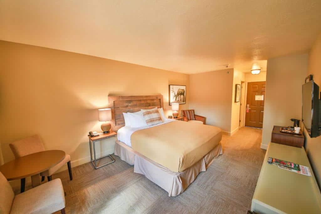 best Granby hotels trailhead inn room
