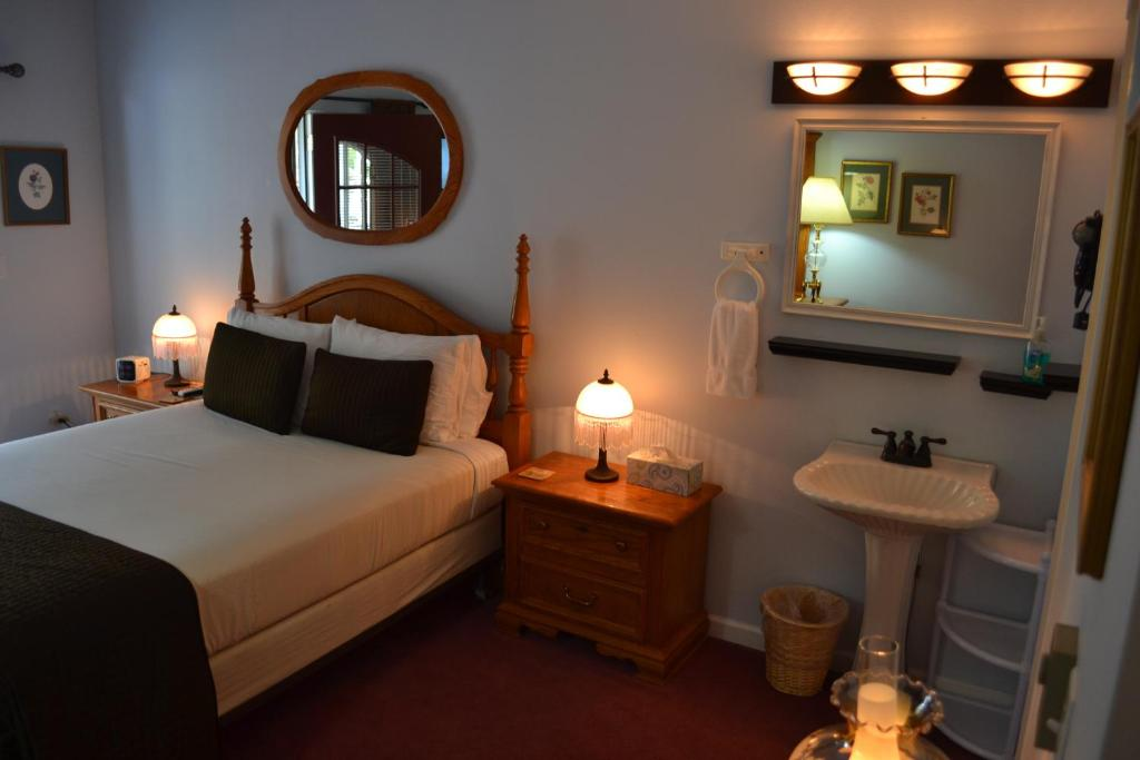 best Granby hotels winter park chateau room
