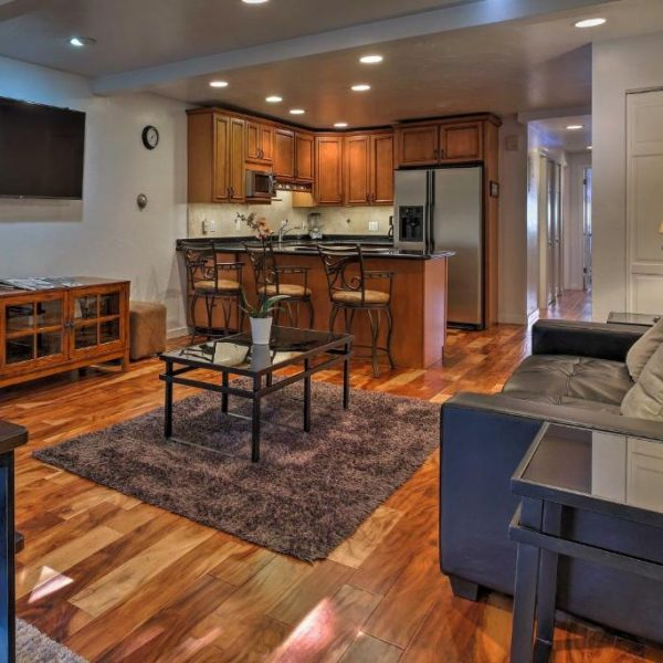 best cabins aspen downtown close to ski lifts living room